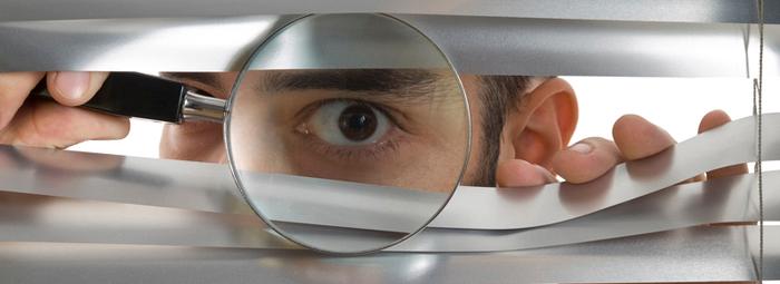 Thám tử điều tra thu thập bằng chứng theo yêu cầu của khách hàng